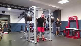 Pause squat ATG 240kg & 255kg; Floorpress 15x140kg