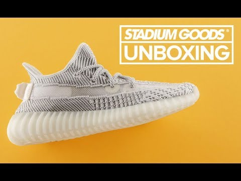 detailed look 21207 423ce adidas Yeezy Boost 350 v2