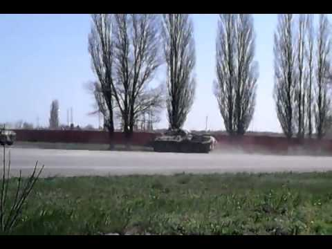Колонна российской военной техники Новошахтинск 24.04.2014