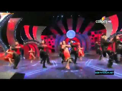 Malaika Arora Khan Dance Performance On Muni Badnam !! Umang Awads (2012)