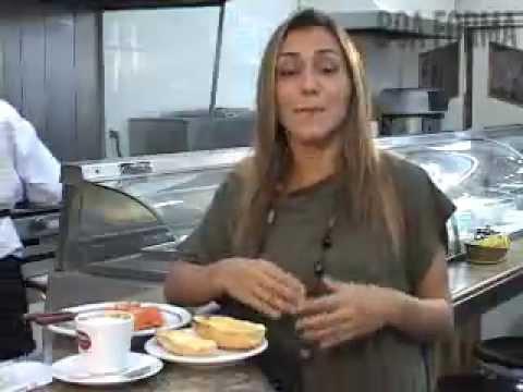 Comendo na rua: café-da-manhã na padaria