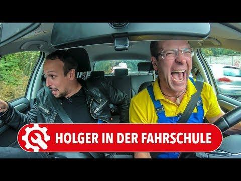 Holger in der FAHRSCHULE   Würde der Autodoktor nochmal die Führerschein-Prüfung bestehen? =)
