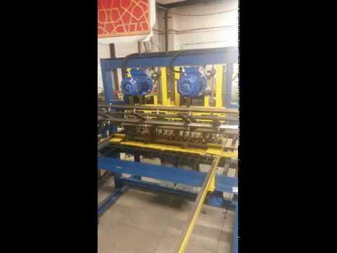 Арго 3 - станок для производства кладочной сетки шириной 1 метр.