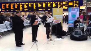 Úraich Brass - entertaining the commuters Video 4