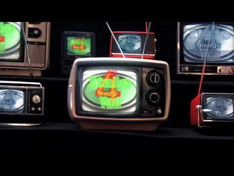 Dj Fifa - Maid Of Orleans vs Paparrazi (Fifa Remix)(2012)