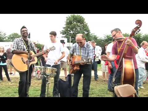 The Dodge Brothers on BBC Five Live's Simon Mayo Show at Cropredy 2009