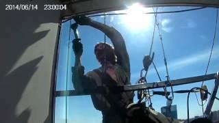 Промышленный альпинизм. Замена стеклопакетов.(Замена стеклопакетов промышленными альпинистами. Монтаж, демонтаж, ремонт и замена стеклопакетов на высот..., 2016-02-10T22:04:46.000Z)