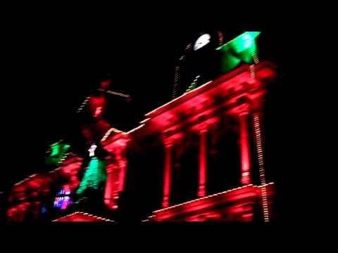 Cambridge court house light. Show