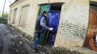 ВЫНОСИМ дверь ВЫЗВАЛИ ПОЛИЦИЮ сталк с ПОБЕГ на заброшке /Стас Агапов