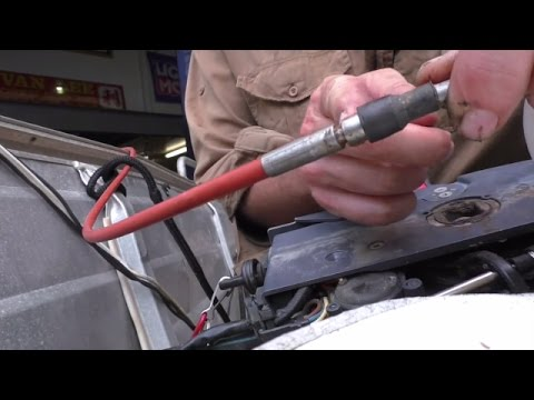 Changing an outboard control cable
