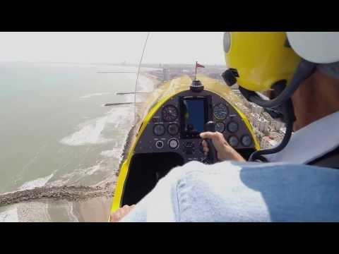 Autogyro MTO Sport volando sobre Boca del Río, Veracruz. México.