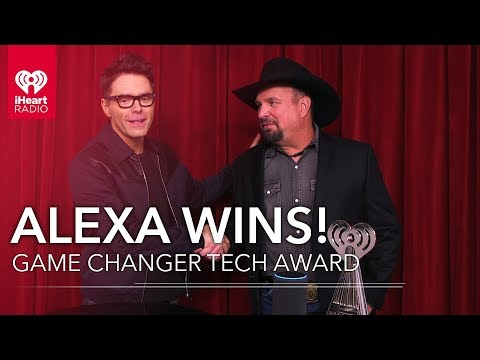 Angie Ward - Watch Garth Brooks Give Alexa A 2019 iHeartRadio Music Award!