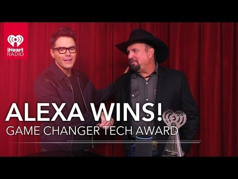 Angie Ward - Watch Garth Brooks Give Alexa A 2019 iHeartRadio Music Award!