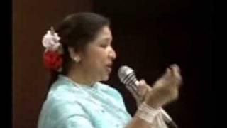 Asha Bhonsle Live   Jawani Janeman ......