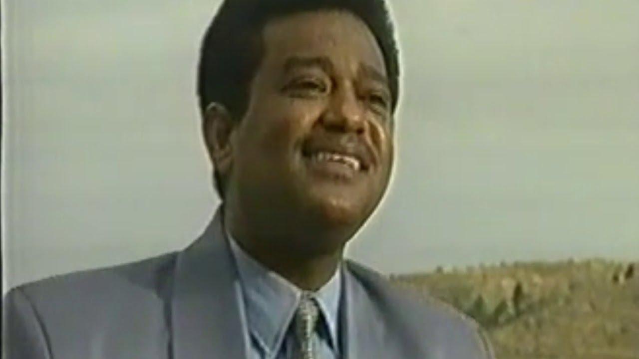 Download Sudanese Singer  Hyder PortSudan singing Sami Berhane's Song