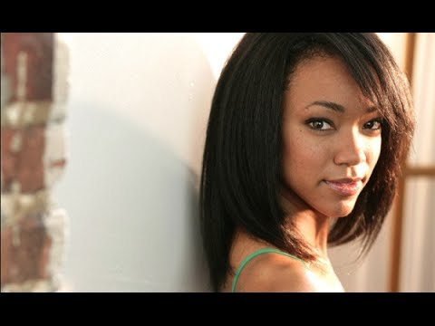 Sonequa MartinGreen AMC's Walking Dead   AfterBuzz TV's Spotlight On
