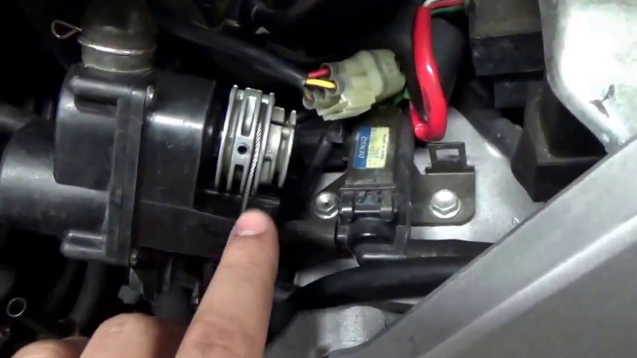 hight resolution of honda cbr 929 954 oem exhaust butterfly servo cable routing how to adjustment youtube