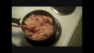 Mac & Cheese With Tomato And Bacon? Oh Yea!!!
