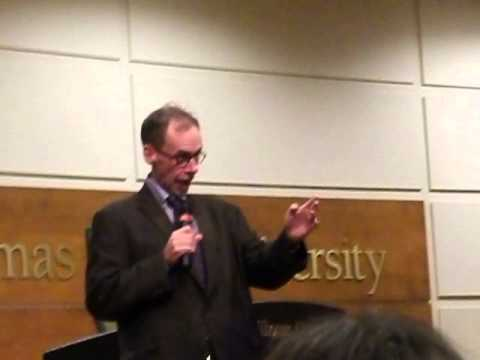 New York Times media reporter David Carr speaks the facts about life at St.Thomas