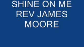 Play Shine On Me (live)