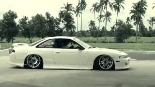 Repeat youtube video Bugoy na Koykoy - Pati Sa Inyong Labas (Official Music Video)