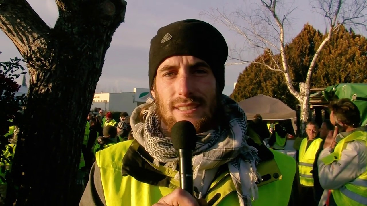 reportage sur la marche des gilets jaunes pertuis vaucluse youtube. Black Bedroom Furniture Sets. Home Design Ideas