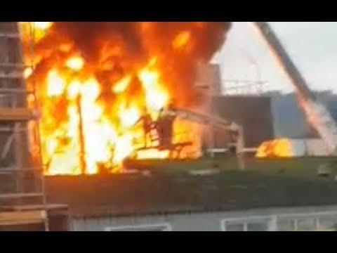 Se declara un incendio en un silo de la factoría de Ence en Pontevedra
