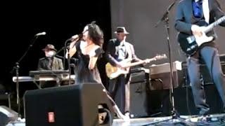 "PJ Harvey - ""Pig Will Not"" at House of Blues, Boston, MA. June 6, 2009"