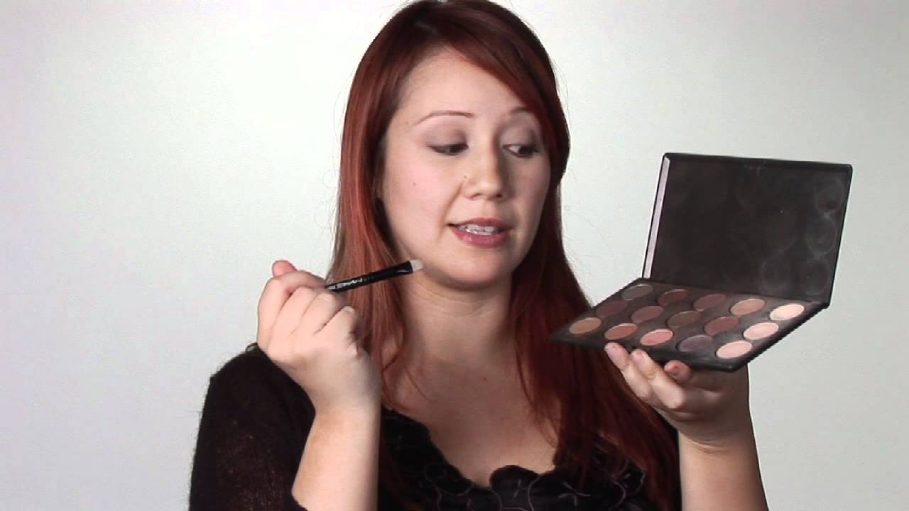 Almondshaped Eyes Makeup Advice : How To Properly Apply Eye Shadow For  Almondshaped Eyes