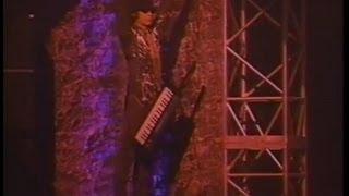 LÄ-PPISCH - 東京ドッカーン 作詞 : 上田現 作曲 : 上田現.