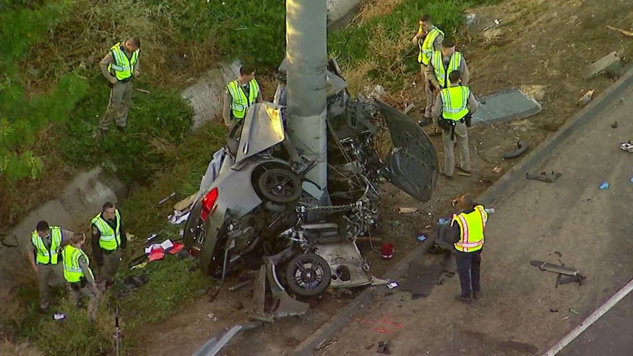 4 killed when car slams into sign pole on 710 Freeway in South Gate | ABC7