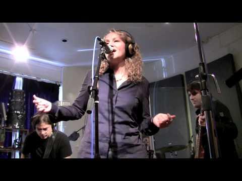 """Joan Osborne """"Shake Your Hips"""" Peak Performance"""