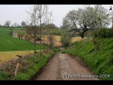 Limburgs volkslied - Waar in het bronsgroen eikenhout