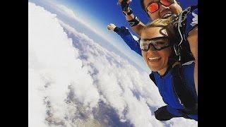 Carrie Underwood Goes Skydiving in Australia