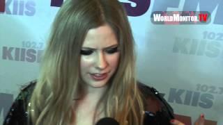 Video Avril Lavigne rocks the Orange Carpet at 1027 KIIS FM's Wango Tango 2013 download MP3, 3GP, MP4, WEBM, AVI, FLV Juli 2018