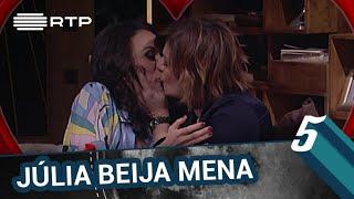 Júlia Pinheiro beija Filomena Cautela | 5 Para a Meia-Noite | RTP