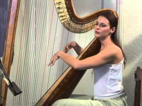 How To Play The Harp : playing a harp with emotion youtube ~ Vivirlamusica.com Haus und Dekorationen