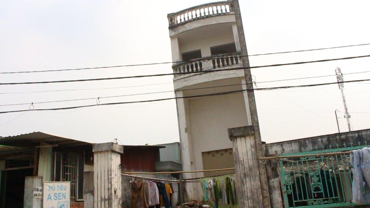 Kỳ lạ nhà 3 tầng nghiêng như tháp Pisa giữa Sài Gòn