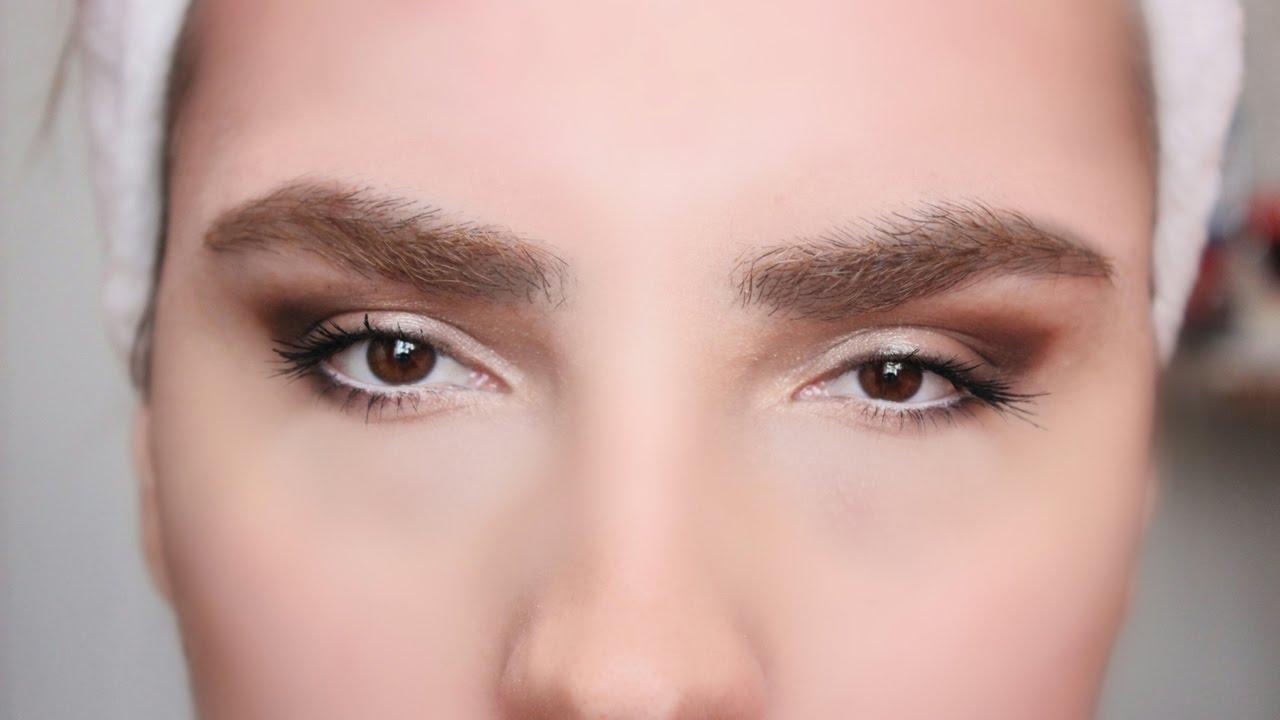 Küçük Gözler Makyajla Nasıl İri Gösterilir: Küçük Gözlere Eyeliner Sürme Teknikleri