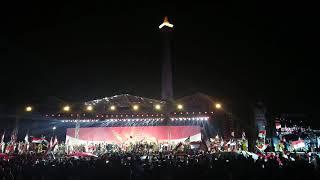 Kikan live di konser papua ( bendera )