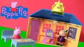 Peppa Pig School House Playset Peek 'n Surprise Schoolhouse Nickelodeon - Escuela Scuola Escola