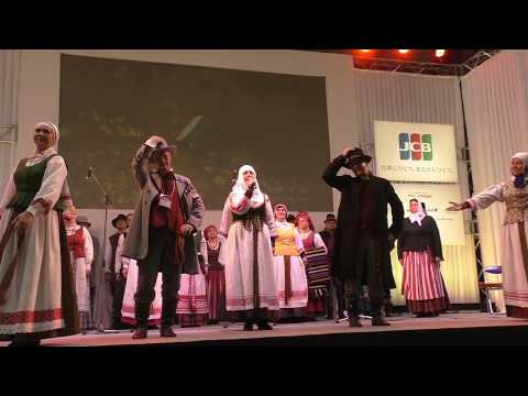 「リトアニア独立 100周年 歌の祭典」コーラスグループ:リトアニアの民族衣装と伝統音楽