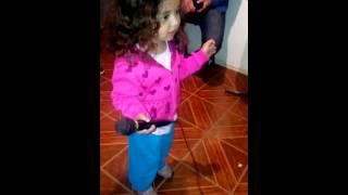 Karaoke Mi pollito amarillito Antonella Olivares