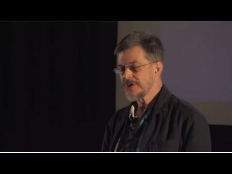 Dois momentos passados na Torre de Babel do seculo XXI | Christopher Auretta | TEDxFCTUNL