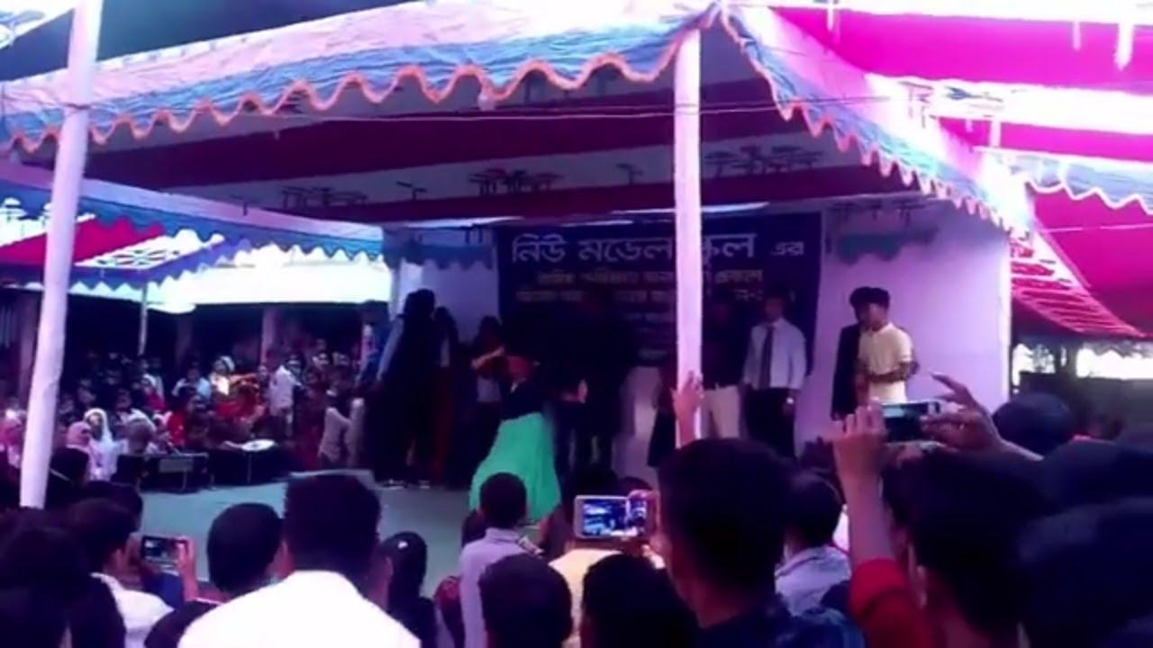 Download School girls dancing/HIGH SCHOOL DANCE BATTLE - CHEERLEADERS VS BALLERS! // @ScottDW