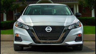 2019 Nissan Altima - Interior, Exterior and Drive