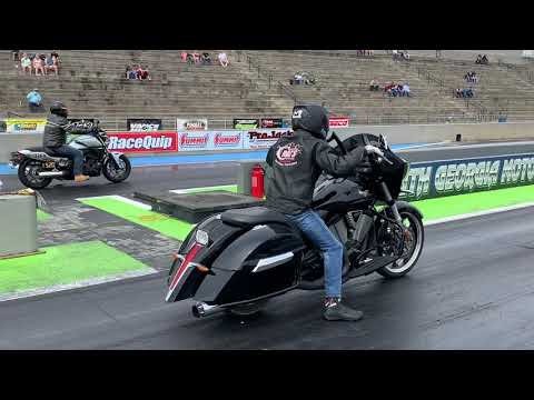 THIS IS WHY THE V-TWIN DRAG BIKE RACING CLASS IS SO INTERESTING - BAGGER Vs EBR Vs APRILIA Vs HARLEY
