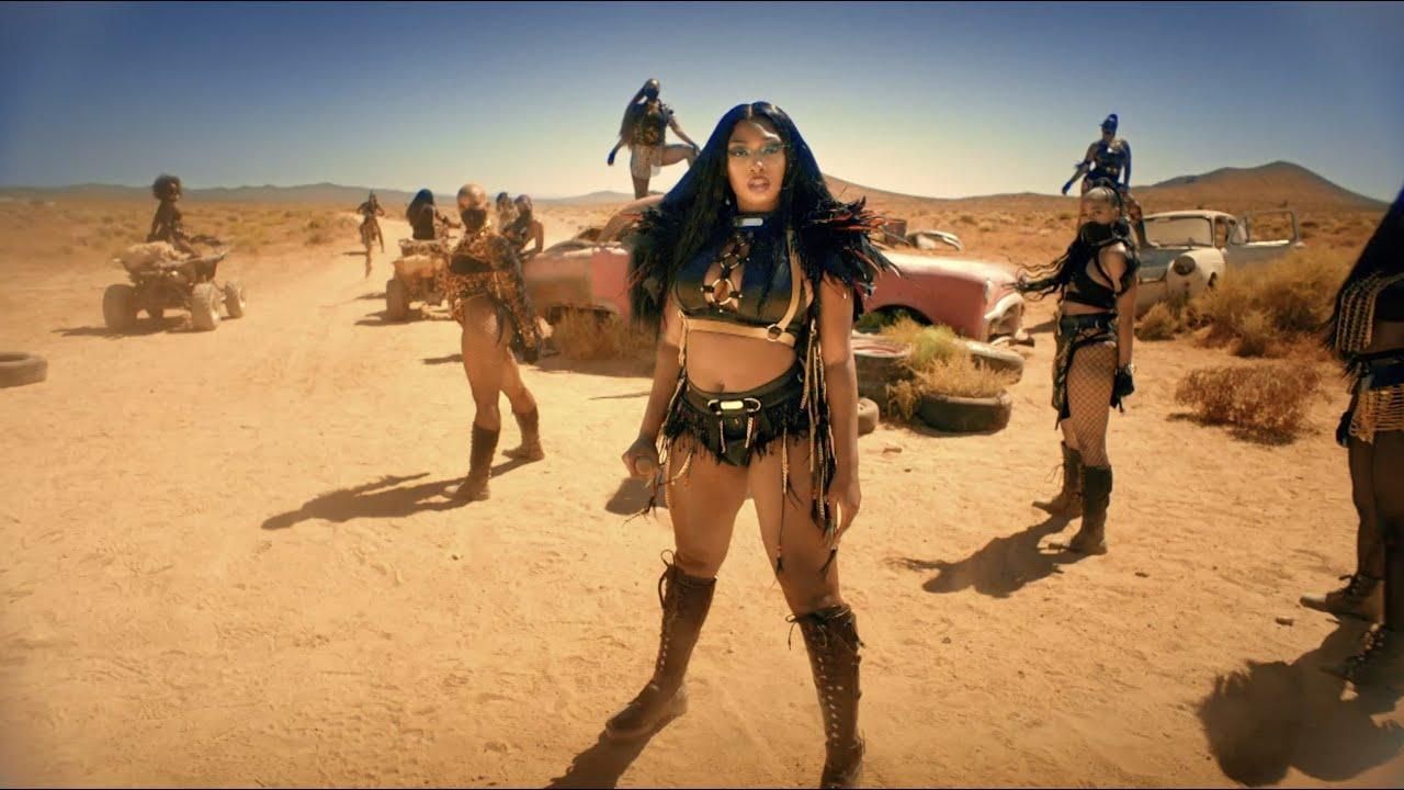 Megan Thee Stallion - Girls In The Hood & Savage Remix Performance [BET Awards 2020]