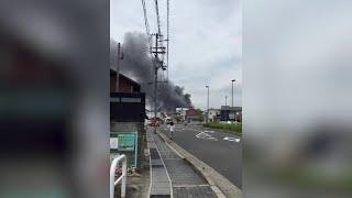 Giappone, il fumo dalla strada: le immagini dell'incendio alla Kyoto Animation