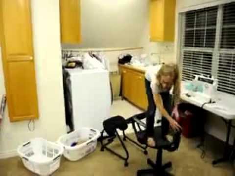 отдых видео девушка упала с кресла во время мастурбации привлекают голые девушки